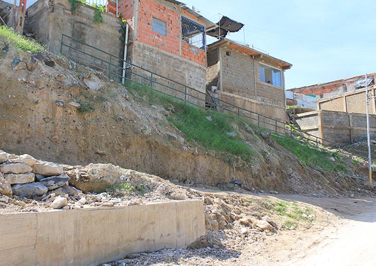 En Metoquina II seis casas están en situación de riesgo