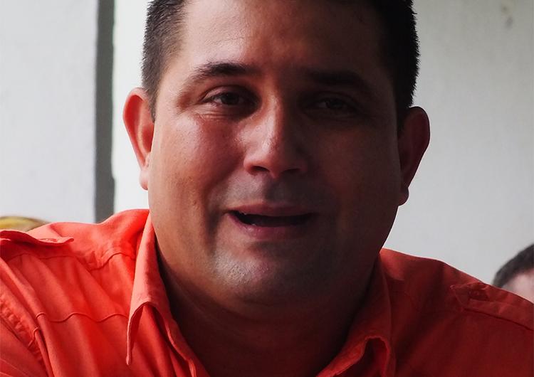 Ruiz entrega secretaría de la MUD