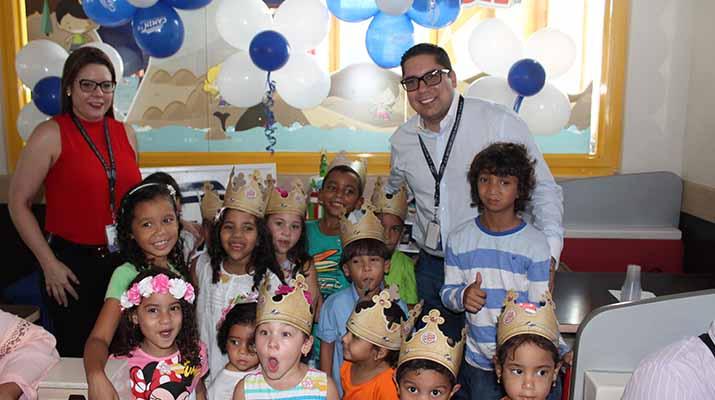Camin celebró  la navidad con  trabajadores y niños