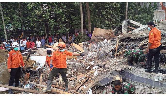 Autoridades elevaron a 84 mil los desplazados por último terremoto en Indonesia