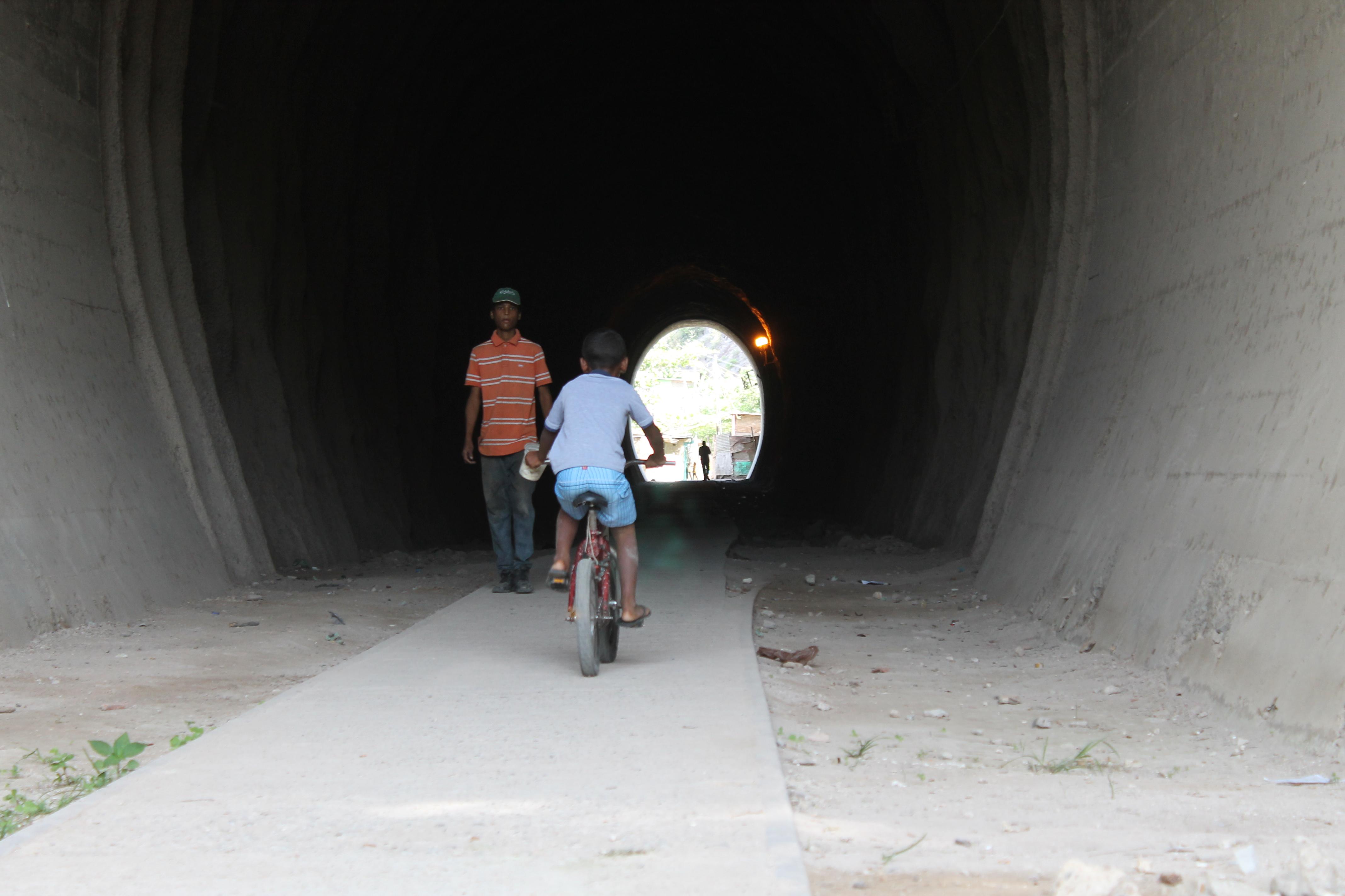 Comunidades guanteñas sin agua ni transporte