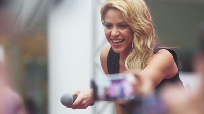 Shakira presentó su perfume  » Dance» en Chile