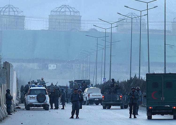 Dos coches bomba explotaron en Kabul dejando un saldo de 21 muertos y 50 heridos