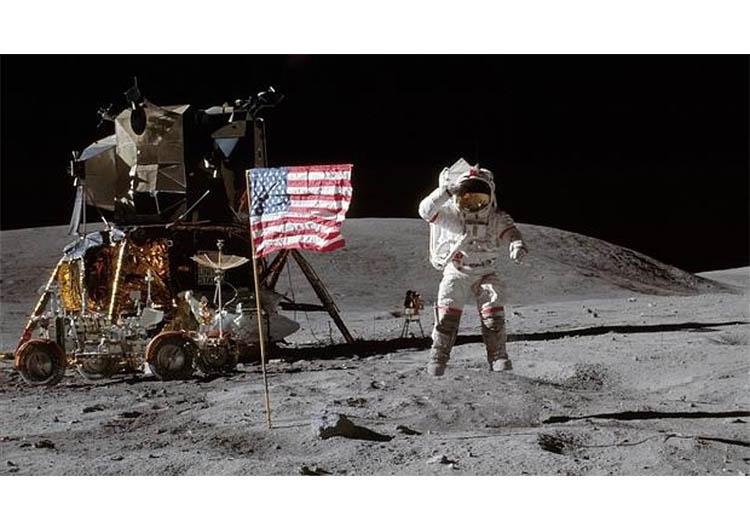 Falleció Gene Cernan, el último hombre que pisó la Luna