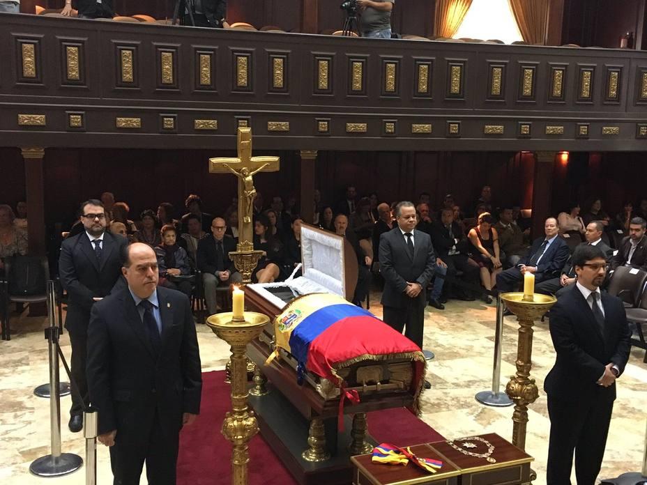 Asamblea Nacional rindió homenaje póstumo a Octavio Lepage