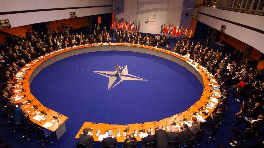 La OTAN ve  «inaceptable» que Rusia haya podido influir en elecciones de Estados Unidos