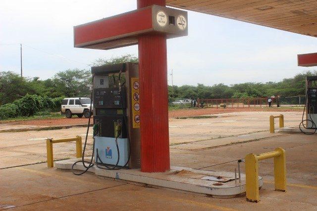 Inició venta de gasolina en moneda internacional en Paraguachón
