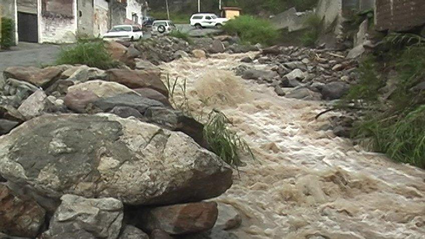 Lluvias amenazan  viviendas de familias en El Vigía