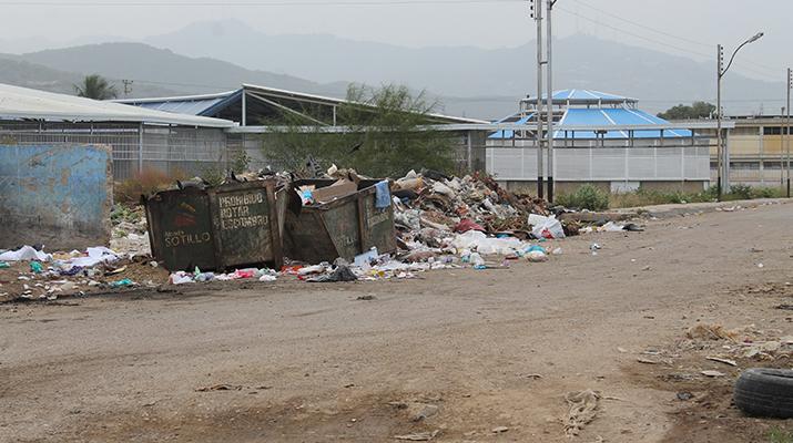 En Los Boqueticos denunciaron vivir  entre la basura