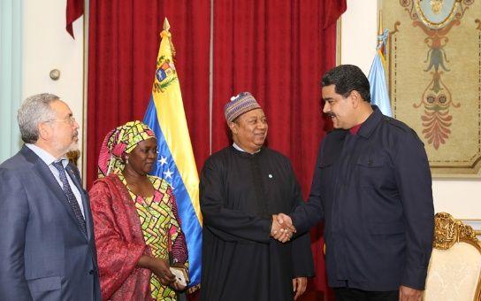 Maduro propone reunión de países OPEP y no OPEP en primer trimestre de 2017