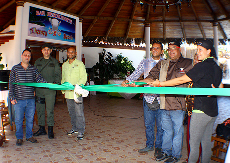 Alberney Beach abrió sus puertas en Paradise Inn