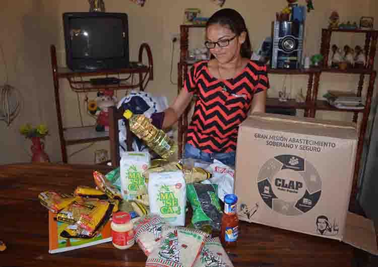 Ministro Istúriz encabezó venta de 65 toneladas de alimentos en El Tigre