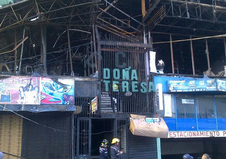 Incendio afectó a 28 locales de centro comercial en Táchira