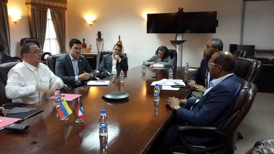 Venezuela y Dominica evalúan intercambio comercial para el fortalecimiento económico