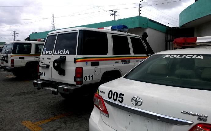 Polisosir detuvo a sujetos y recuperó dos vehículos