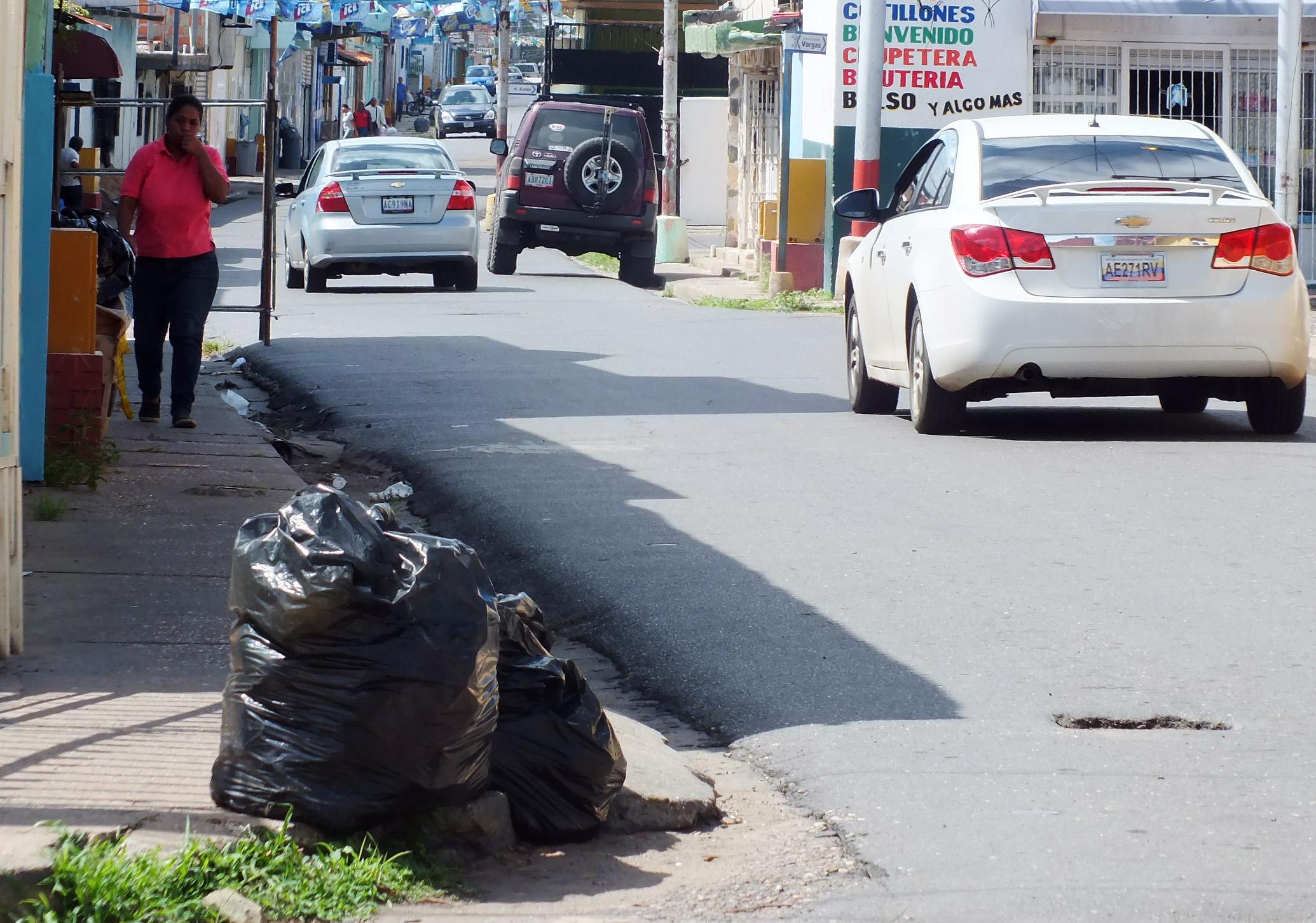 Vecinos denuncian fallas en el servicio de basura