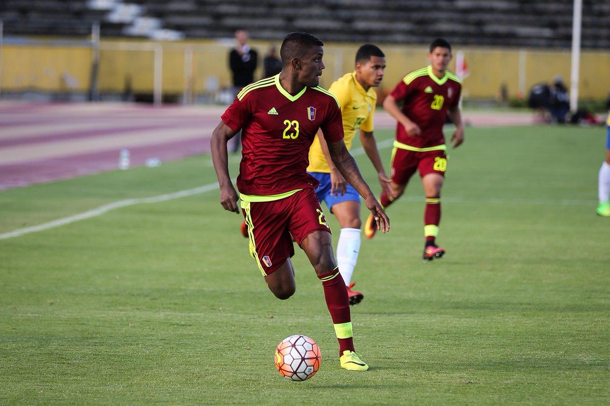 La Sub-20 busca un éxito vital hoy ante Uruguay