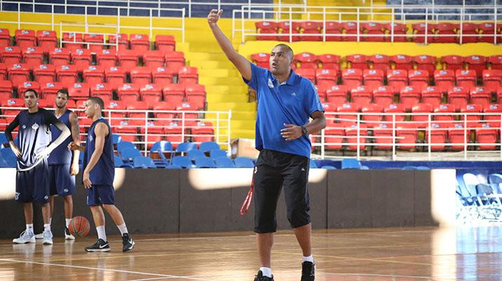 Guillén se siente  capacitado para  dirigir a Marinos