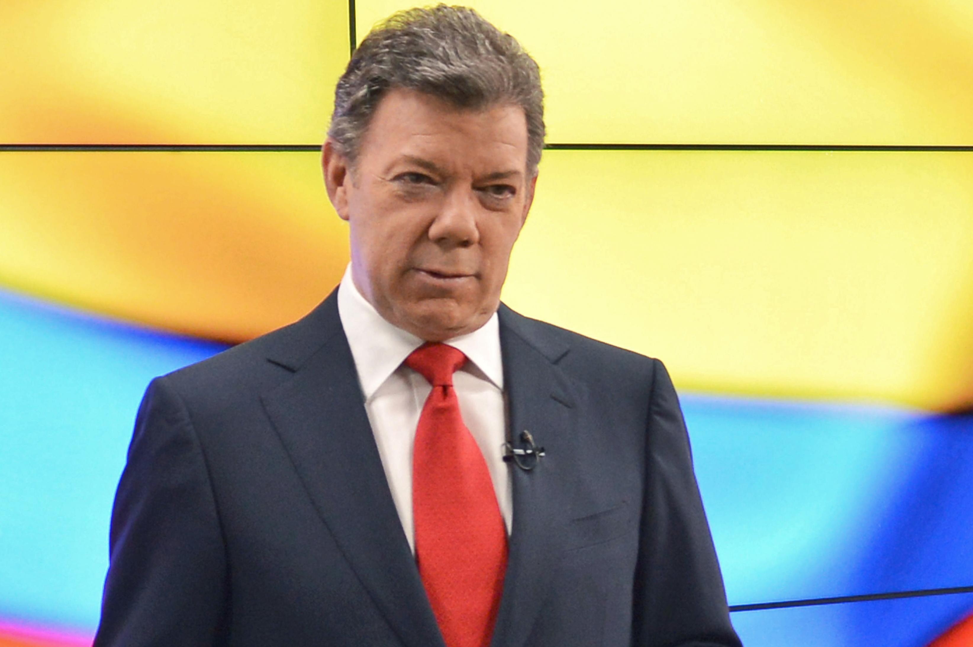 Santos lamentó el lenguaje de irrespeto de su vicepresidente