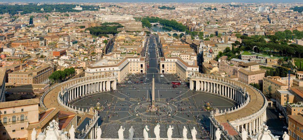 Vaticano está preocupado por decreto migratorio de Trump