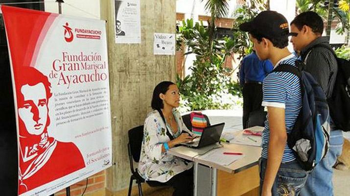 Fundayacucho  entregará 15 mil  becas a estudiantes