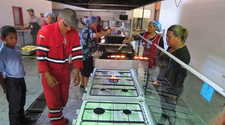 Alcaldía de Sotillo  entregó dos cocinas industriales  a comedor popular