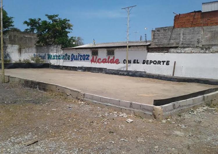 Inauguraron cancha de bolas criollas en la Casa Sindical