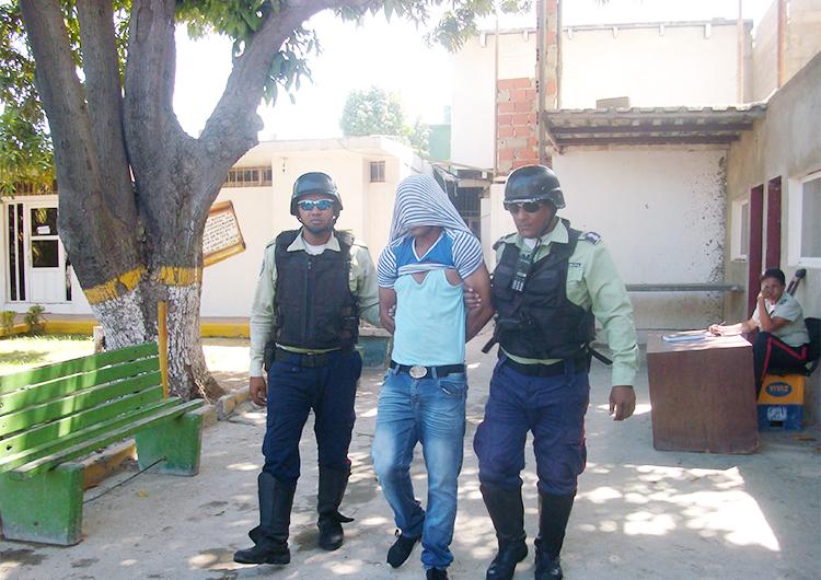 Polisotillo apresó a dos sujetos por femicidio frustrado y robo