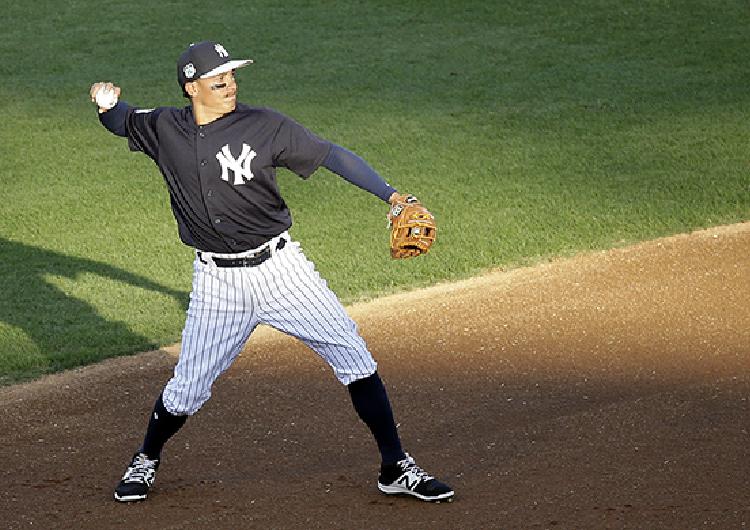 Ronald Torreyes sería el campocorto del juego inaugural de los Yankees