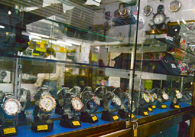 Usuarios prefieren mandar a reparar los relojes