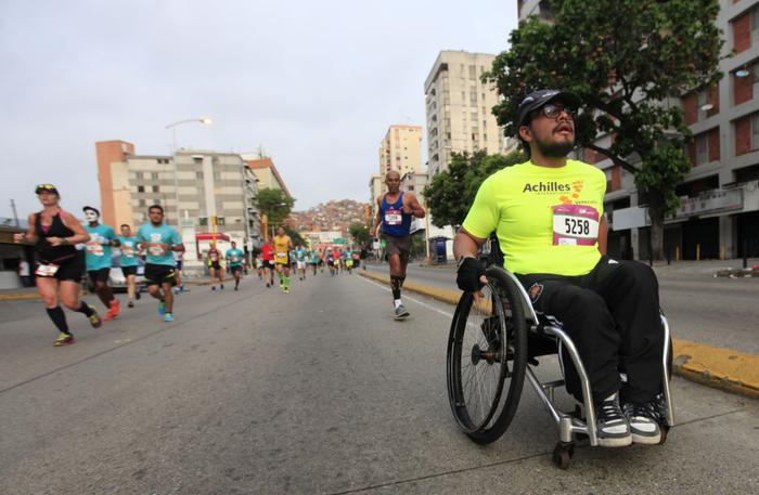Más de 11 mil corredores se  dieron cita en el Maratón CAF