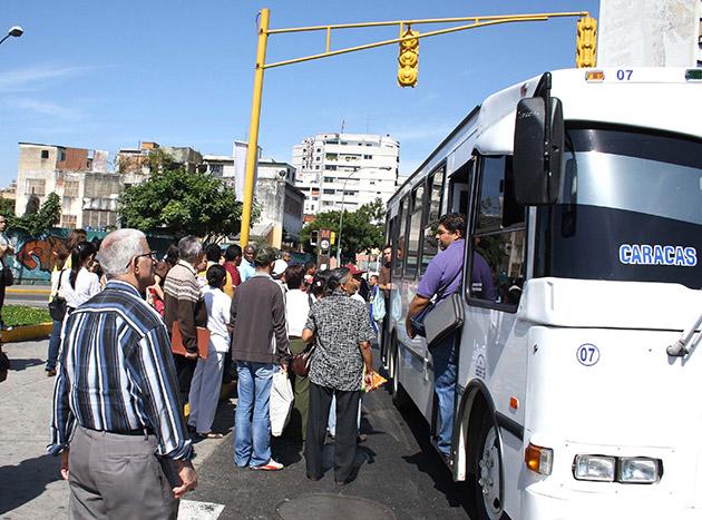 Molina descartó que pasaje urbano llegue a 300 bolívares