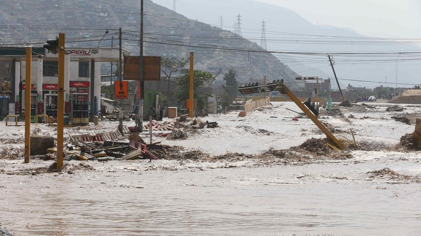 Ascienden a 84 los muertos por inundaciones en Perú
