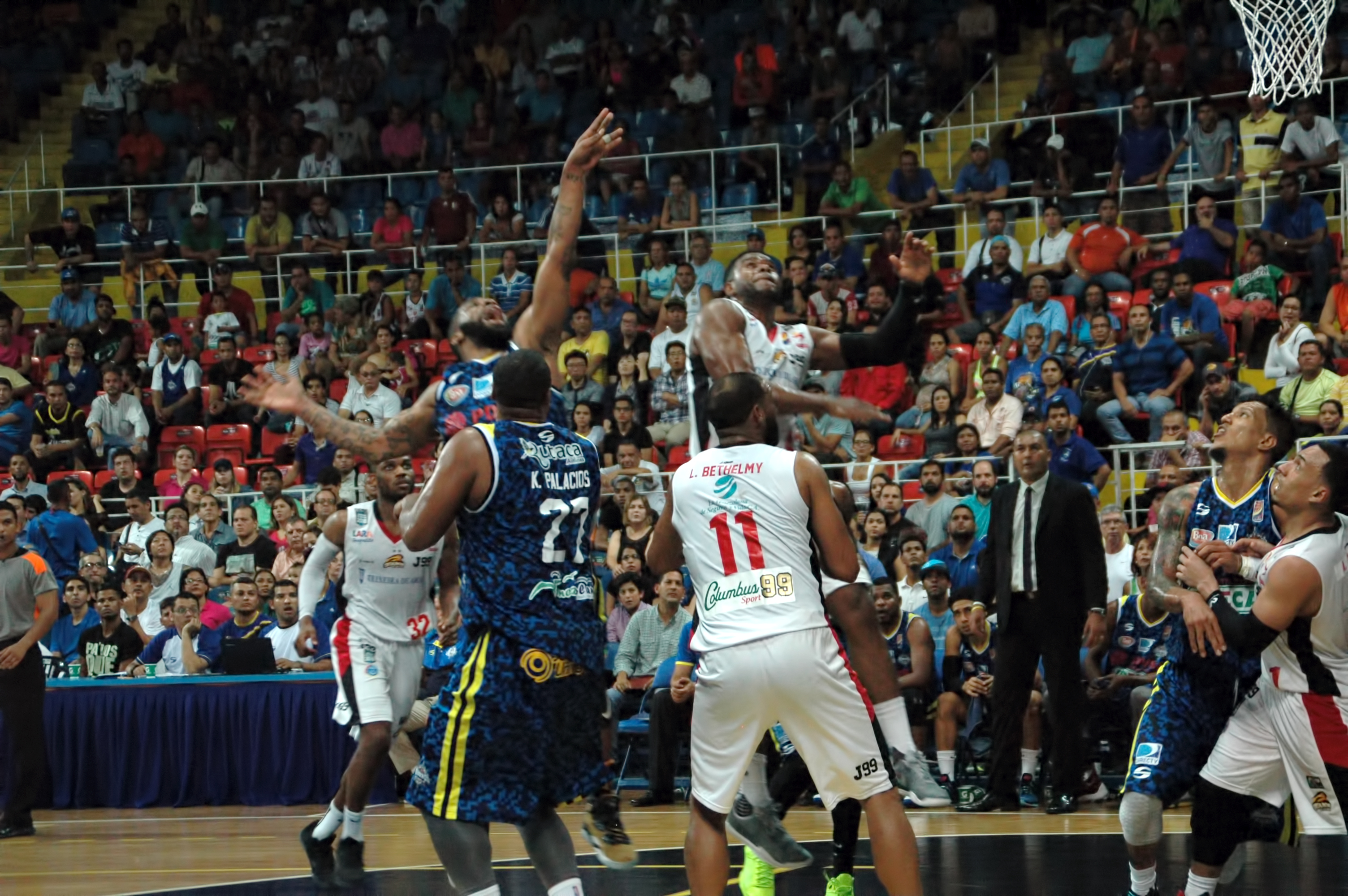 Marinos controló el accionar en casa para triunfar ante Guaros