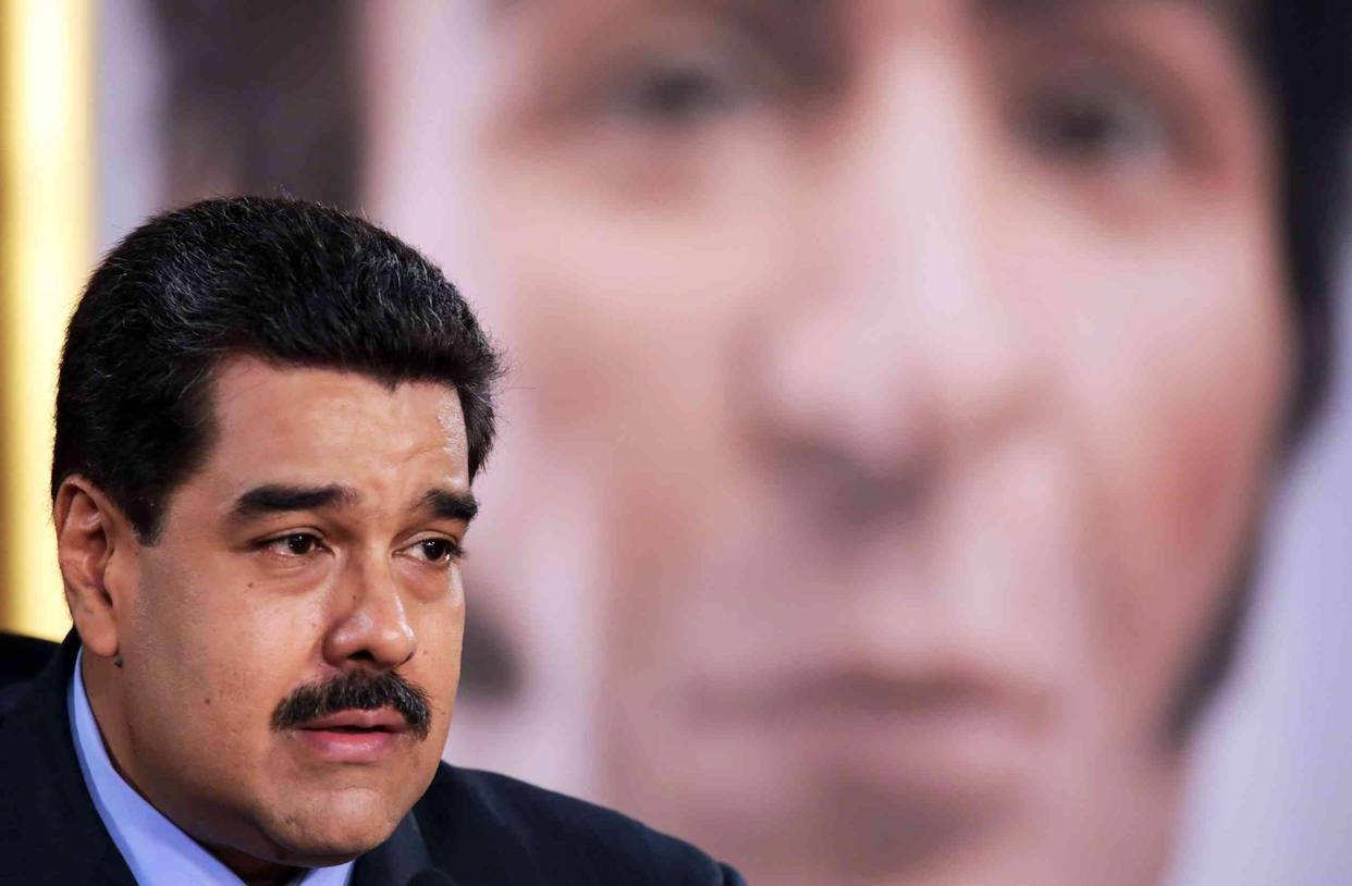 Maduro aumentó 50 % el salario para los médicos