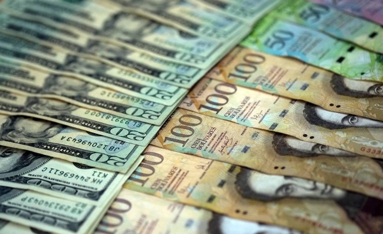 Caída de las reservas dificulta pagar deudas