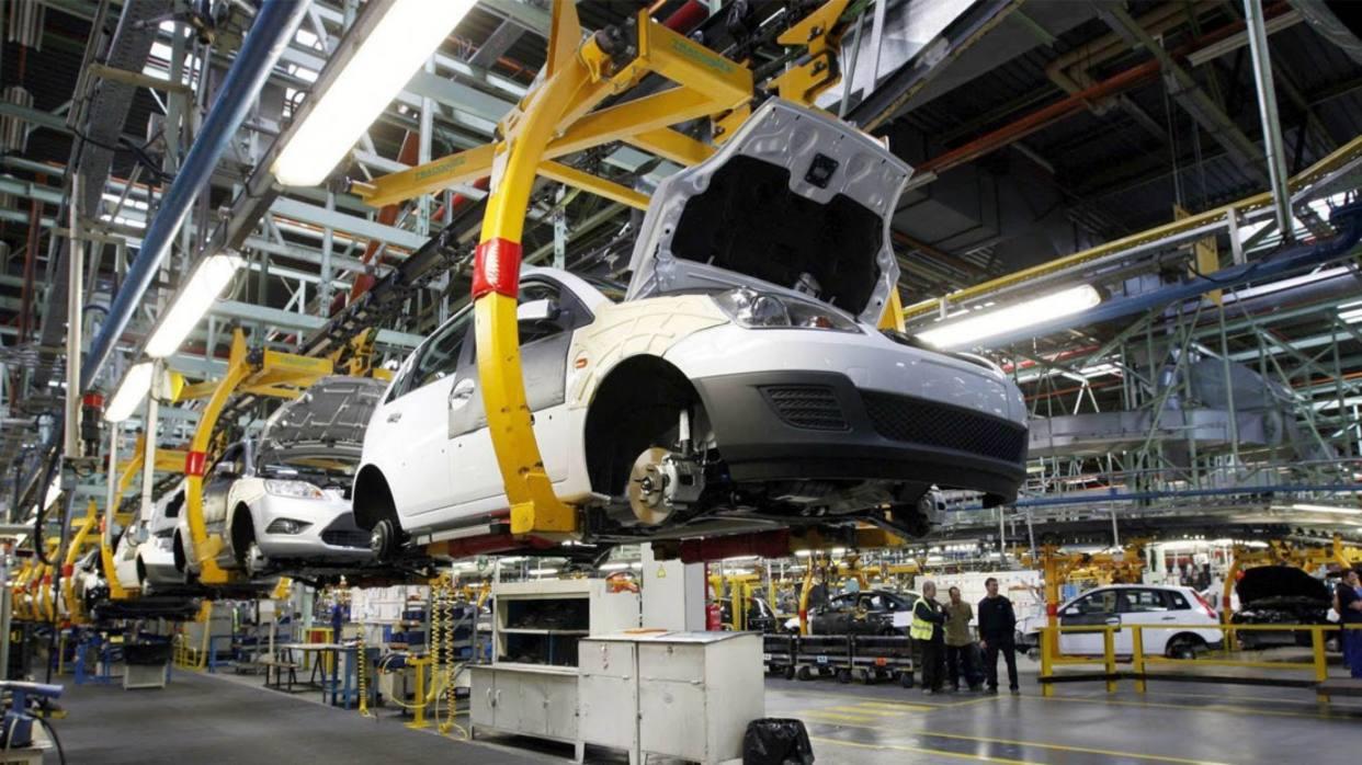 Producción de carros cayó 50% este año