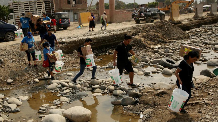 Desborde de río inunda calles del centro de Piura