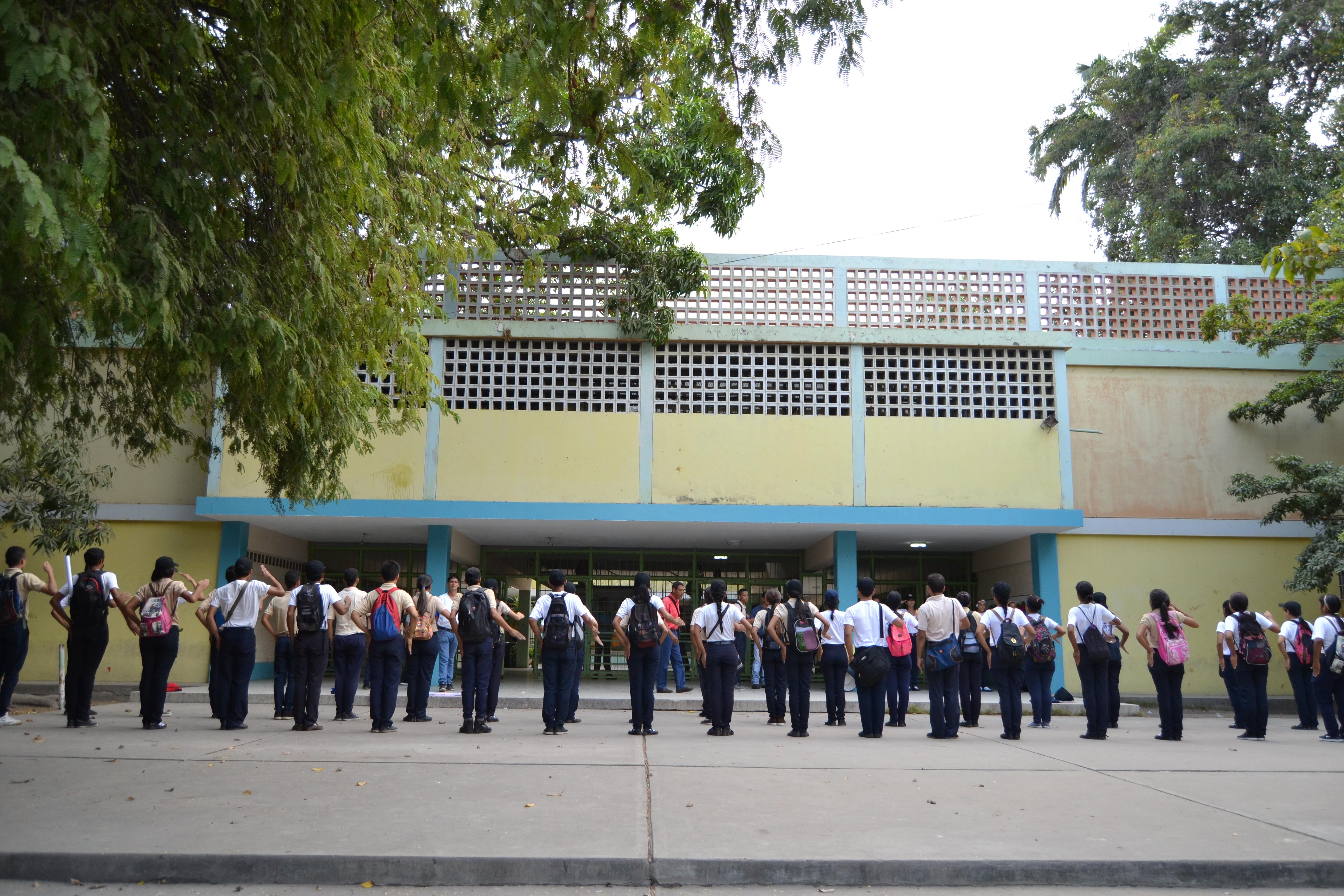 Colegios públicos esperan  canaimitas para este 2017