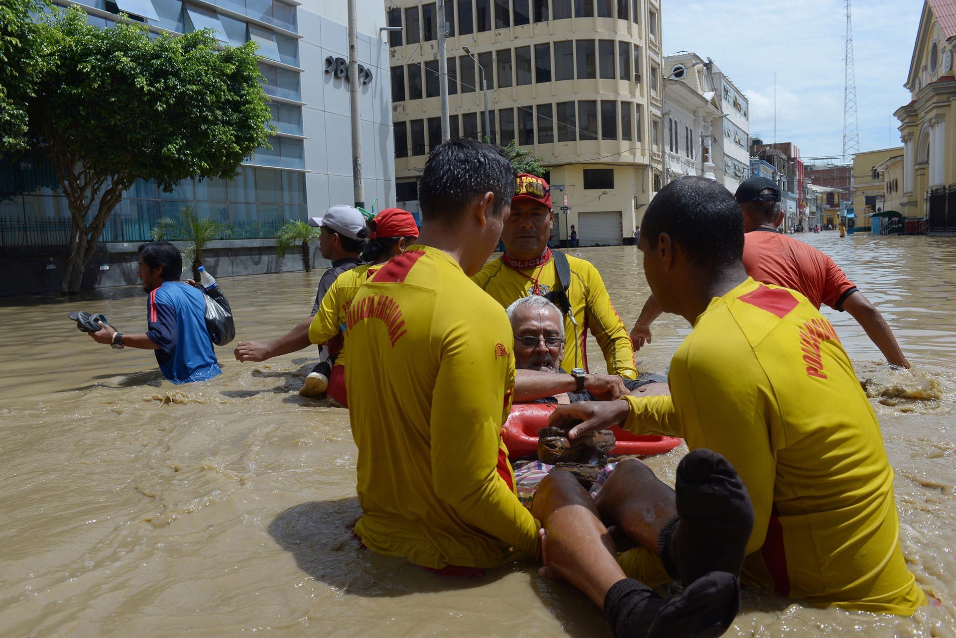 Desbordamiento de río en Perú deja cuatro fallecidos