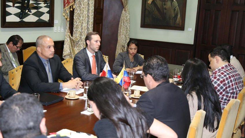 Venezuela y Panamá evalúan cooperación comercial