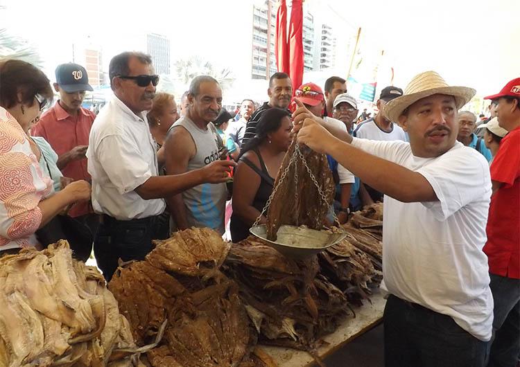 Gobierno expendió 15 toneladas de pescado