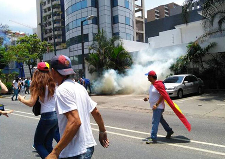 Policlínica resultó afectada durante manifestación