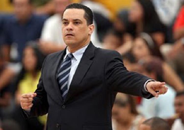 Tony Ruiz es el nuevo timonel del Acorazado