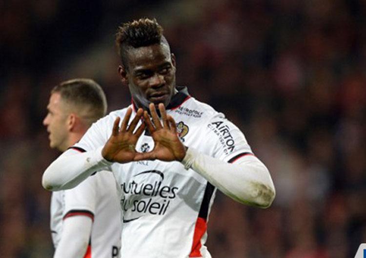 Mario Balotelli guió la remontada del Niza