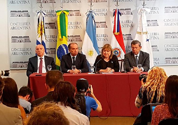 Activan Cláusula Democrática a Venezuela