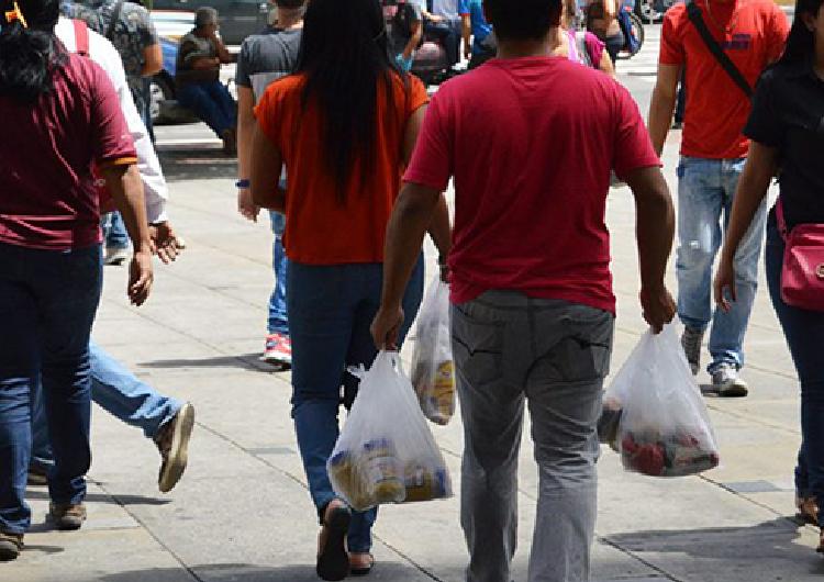 Hinterlaces: 87 % de criollos pide importar medicinas y alimentos