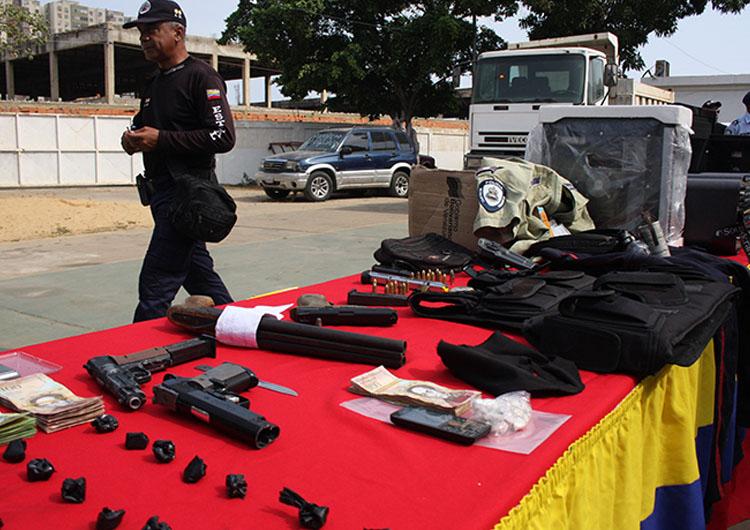Agentes encarcelaron a 16 sujetos solicitados