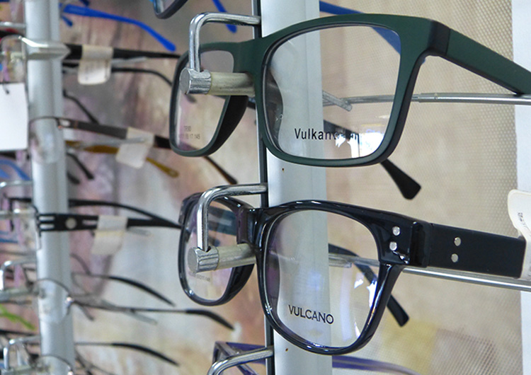 Usuarios deben cancelar lentes de fórmulas en varias cuotas