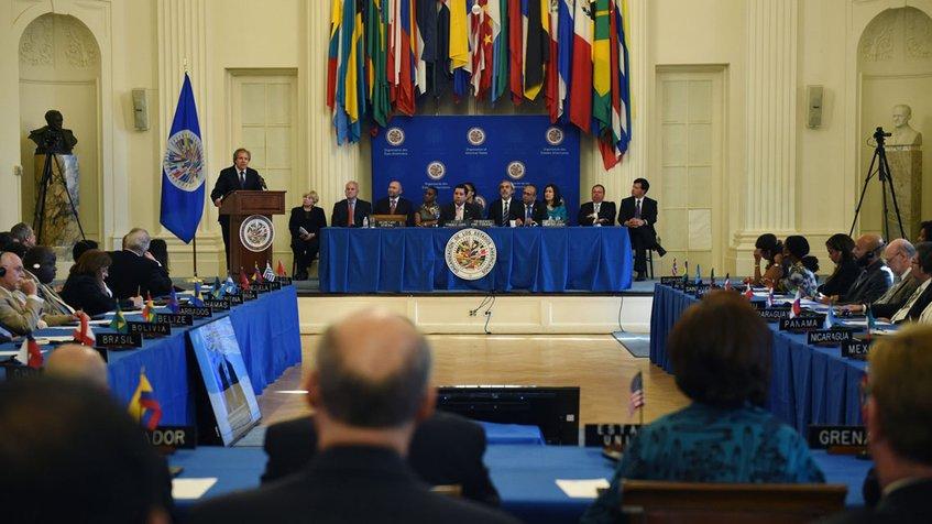OEA evalúa declarar ruptura del hilo constitucional en Venezuela